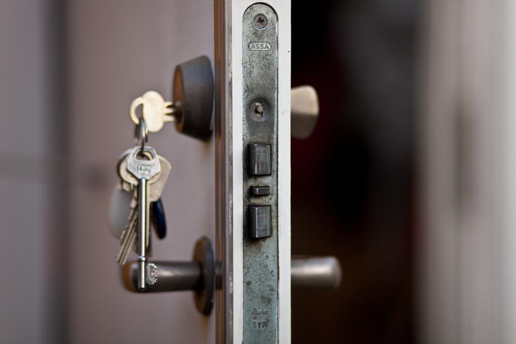 The Benefits of Professional Lock Installation